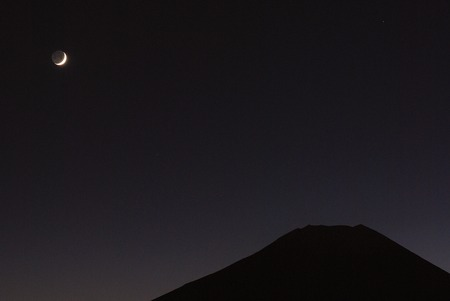 47148019 - crescent moon and mt. fuji